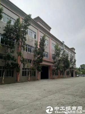 长安镇乌沙新出楼上带精装修厂房1200平方招租