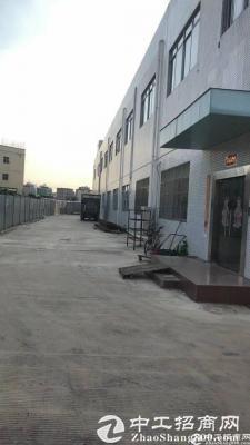 坪山石井工业园分租一楼厂房2200平方,带行车出