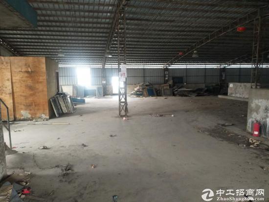 涌口濂泉路科技园五楼铁皮房1000平方有电梯租8块