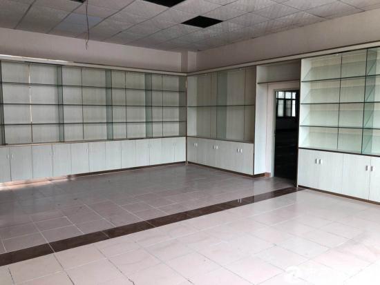平湖富民工业区新出一楼1700平米出租 层高6米
