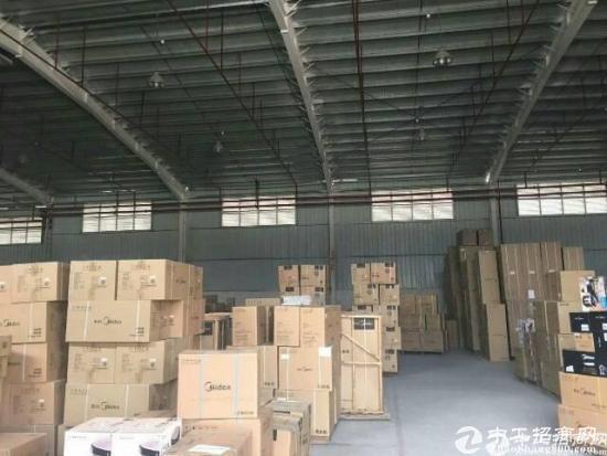 龙华民治新出一楼4600物流仓库招租可分租