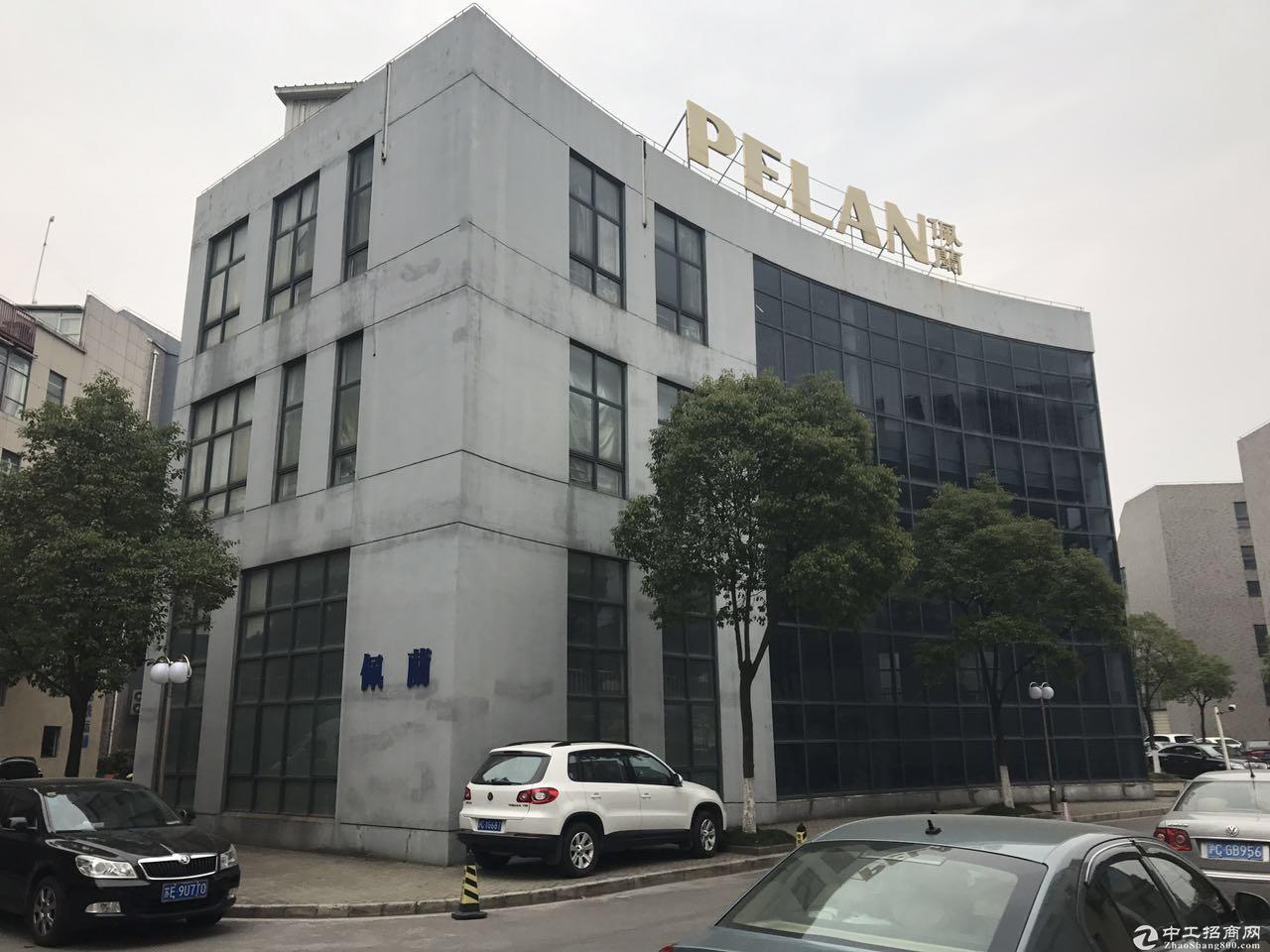绿证 独栋三层办公研发厂房出售 距地铁站1公里