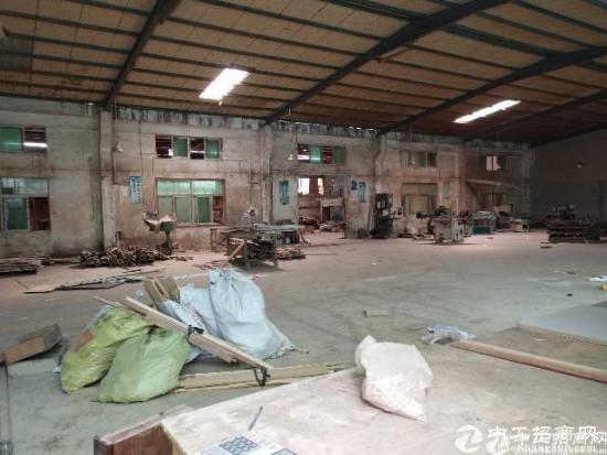 2100平米独栋单一层钢构厂房报价17块每平方