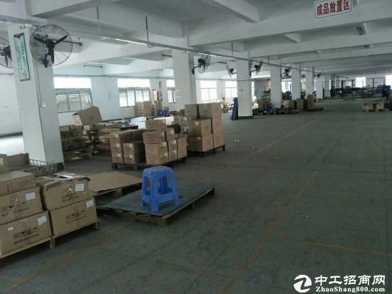 坪山红本厂房3楼2500平米出租带装修