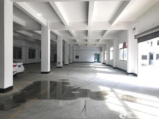 横岗六约地铁口800平一楼带装修厂房出租
