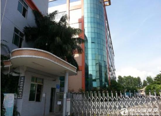 和平9成新带装修楼上2400平米厂房出租