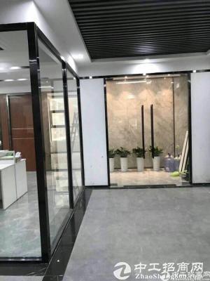 坂田五和地铁站精装办公室58平起租