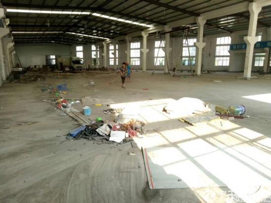 坪山大工业区滴水8米高钢钩独院带牛角3500平方出租