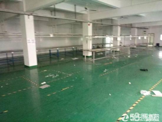 平湖辅城坳工业区一楼800平方厂房出租