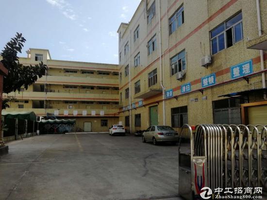爱联新出原房东标准厂房楼上1208平方 带装修