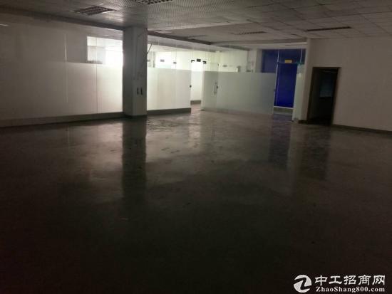 公明新出楼上2450平厂房一整层,带装修无转让费用