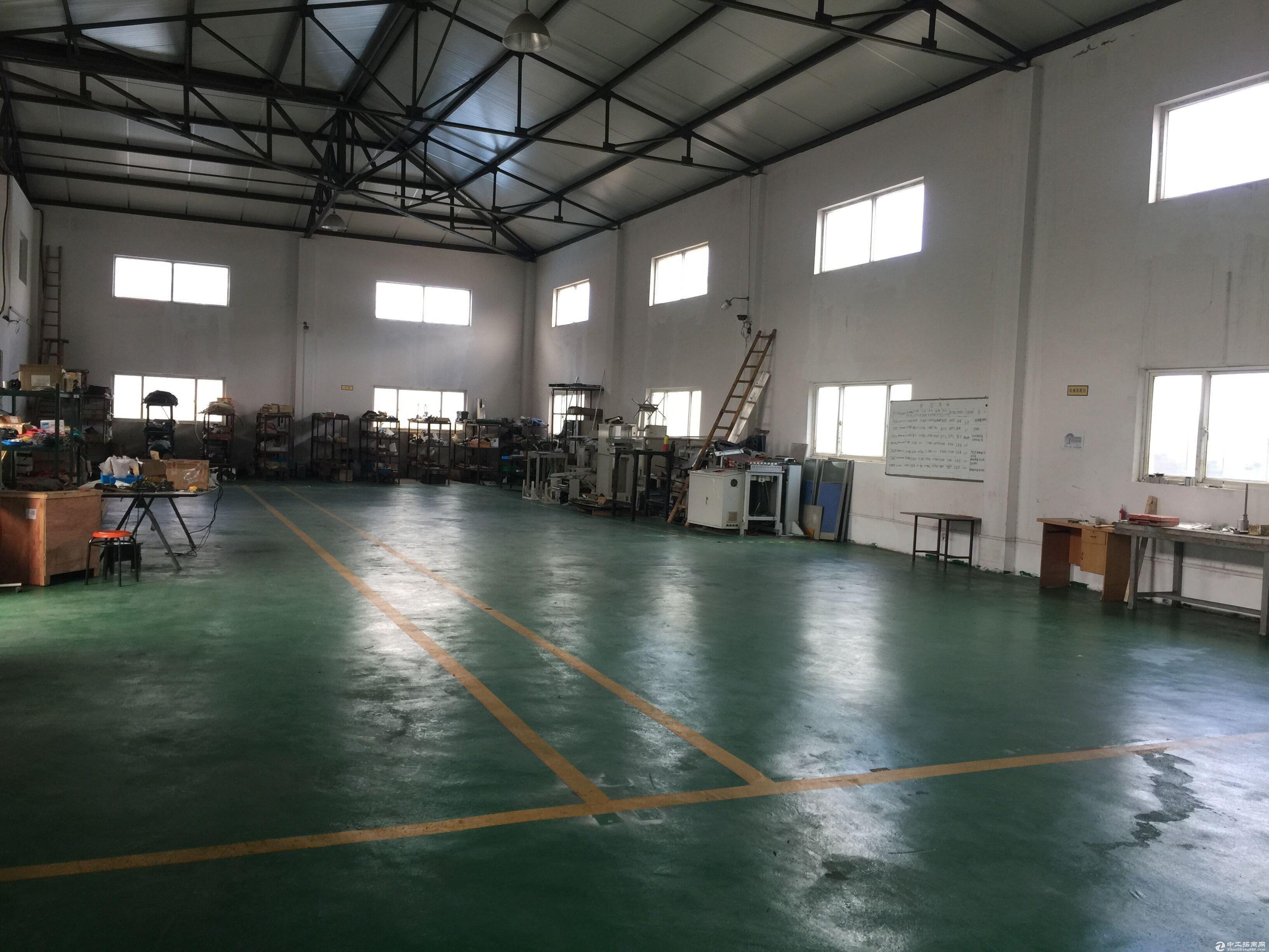 松江独院单层2400平米厂房环氧地坪