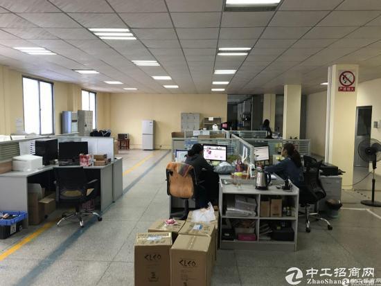 横岗 228工业区五楼600平豪华装修厂房出租