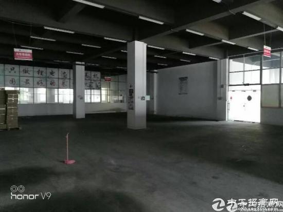 横岗 荷坳地铁站附近一楼精装修仓库1500平方出租