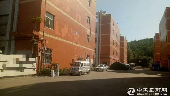 横岗永湖地铁站旁边厂房一楼800平带地坪漆