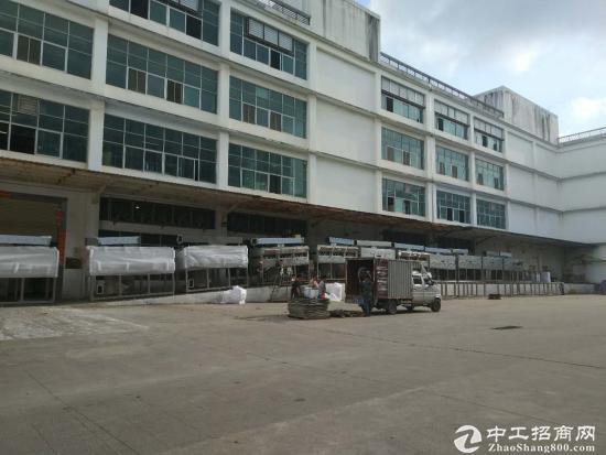 龙岗地铁边超大空地独院厂房9500平米招租可分租