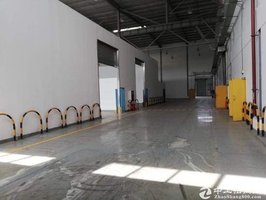 出售成都13000平方米大厂房,独门独院户型