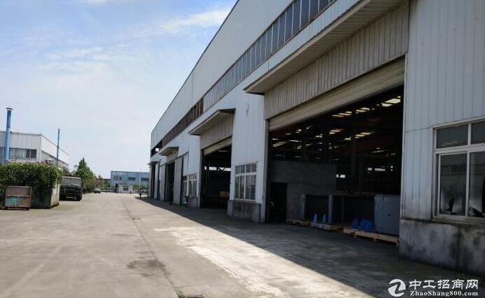 西航港双华路800平米钢构厂库房带办公住宿