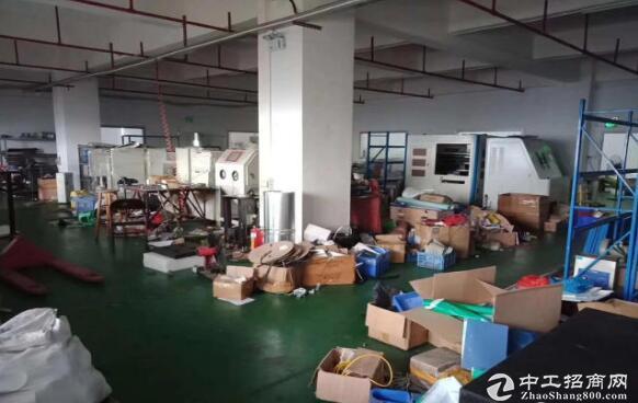 青白江新出楼上600平方带装修厂房招租带红本