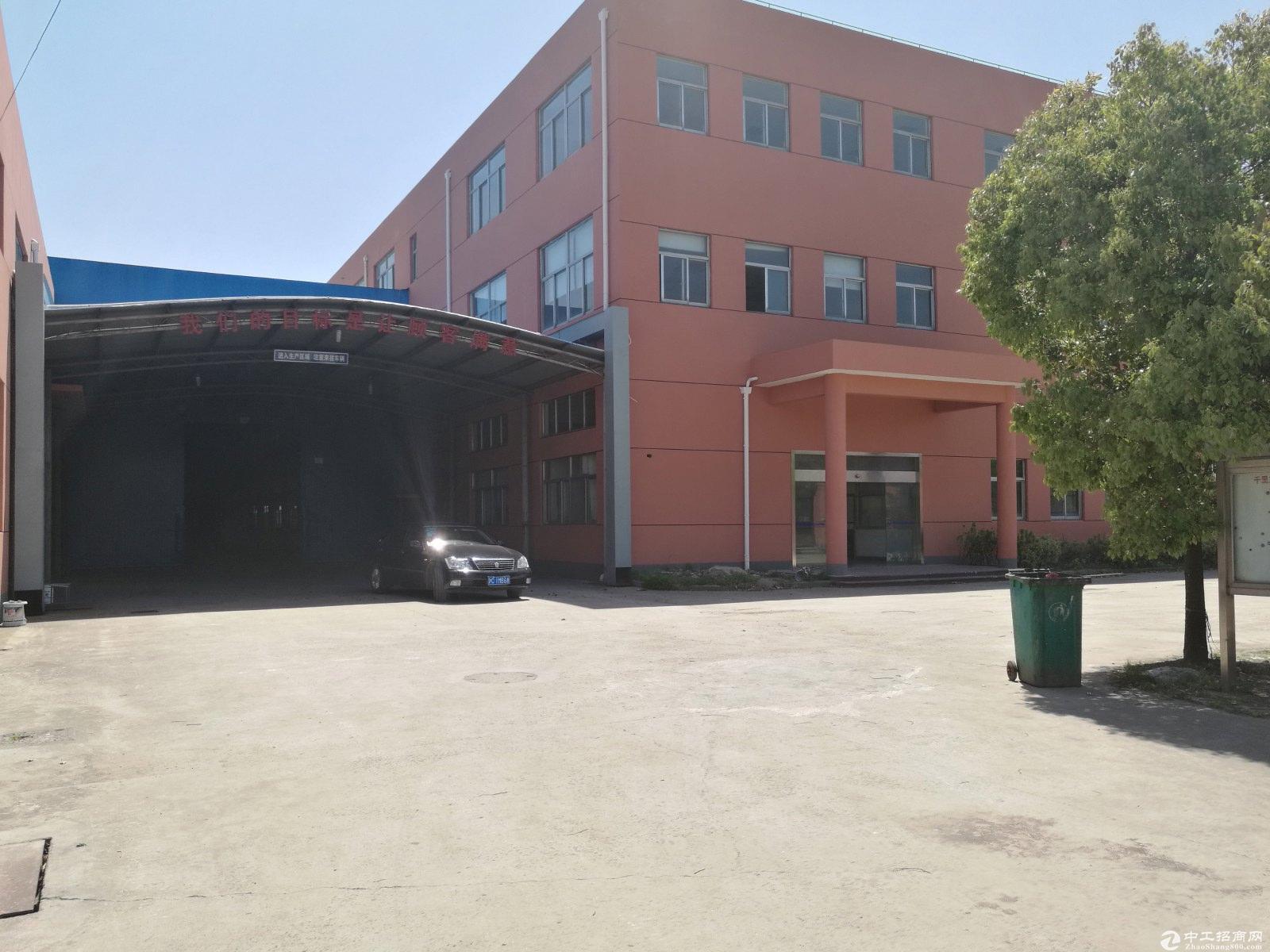 上海松江泗泾工业区独院占地11亩50年绿证8米生产厂房出售
