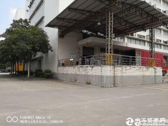 石岩塘头新出厂房3层5400平带卸货平台