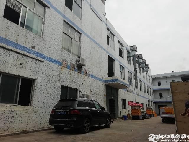 15元龙岗原房东实际面积楼上800平厂房出租