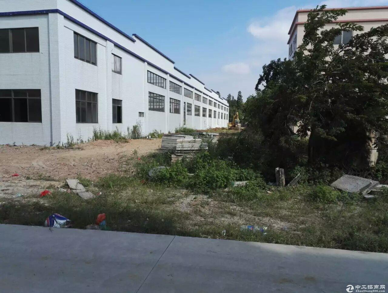 龙岗同乐小独院及办公室共1200平,单一层适合废料打包等行业