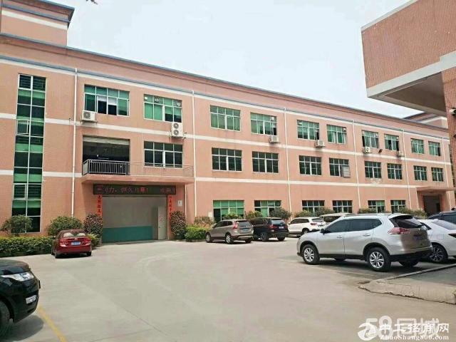 新出平湖富民工业区二楼1900平办公室装修厂房出租