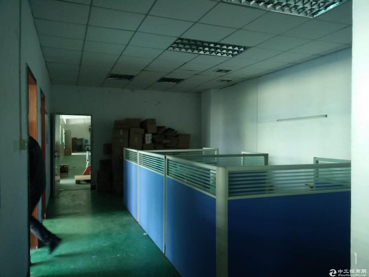 石岩水田工业区2楼700平带装修厂房招租,无转让费