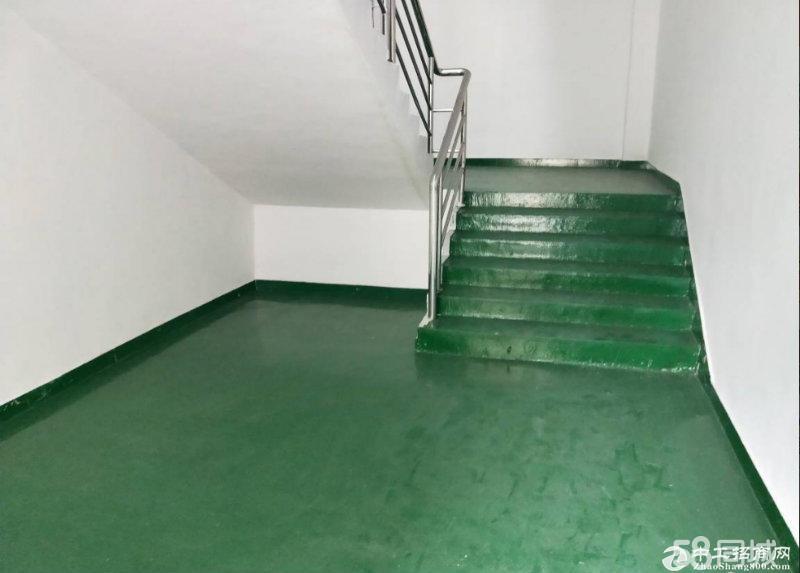 横岗六约新出楼上1800平带地坪漆,大小可分