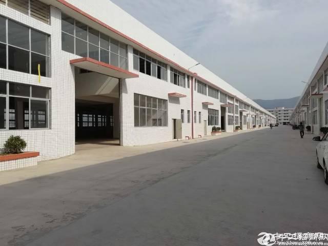 坪地大型工业园钢钩厂房3000平米出租