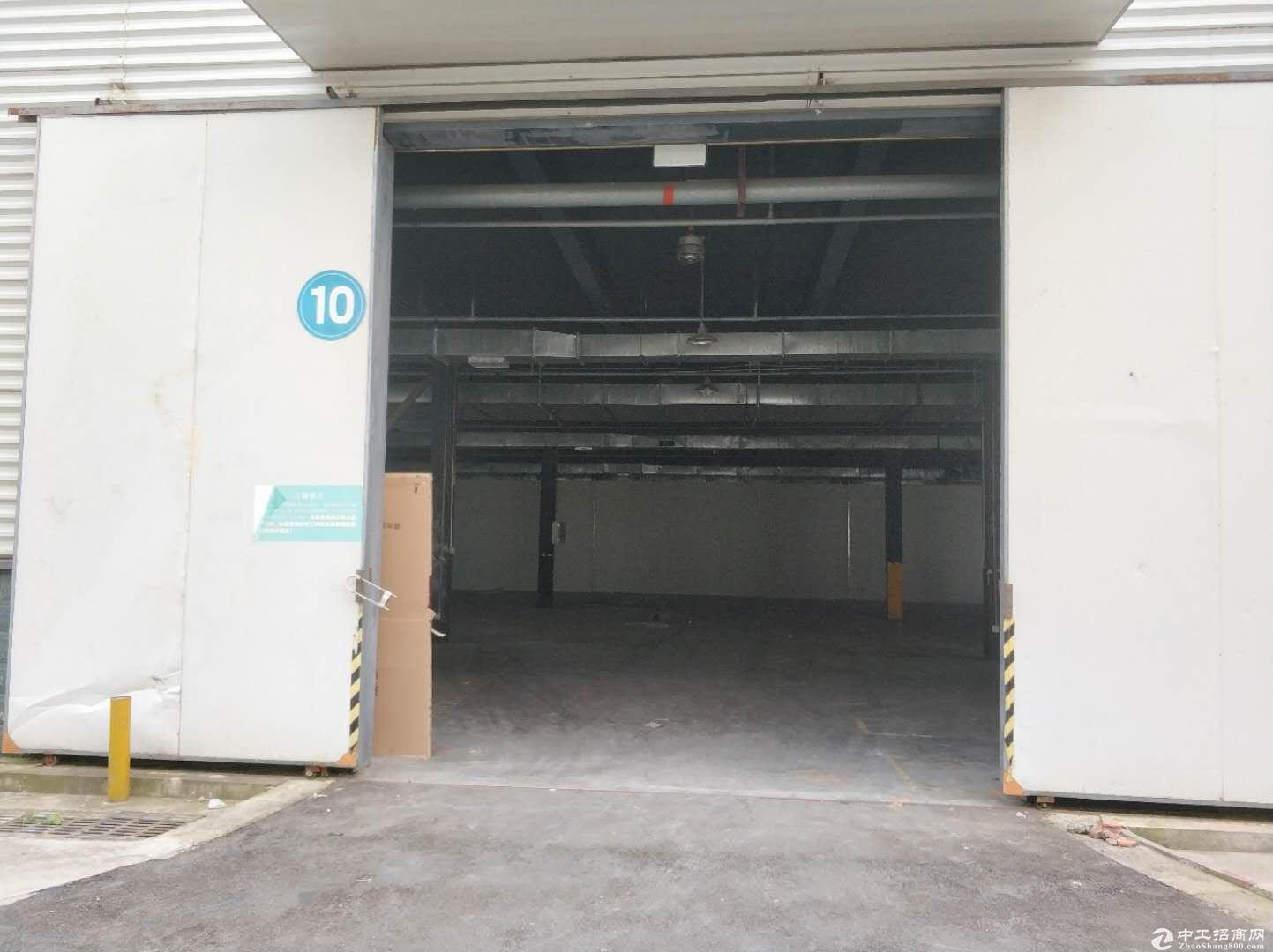 龙泉经开区800平多层框架结构出租,临主干道