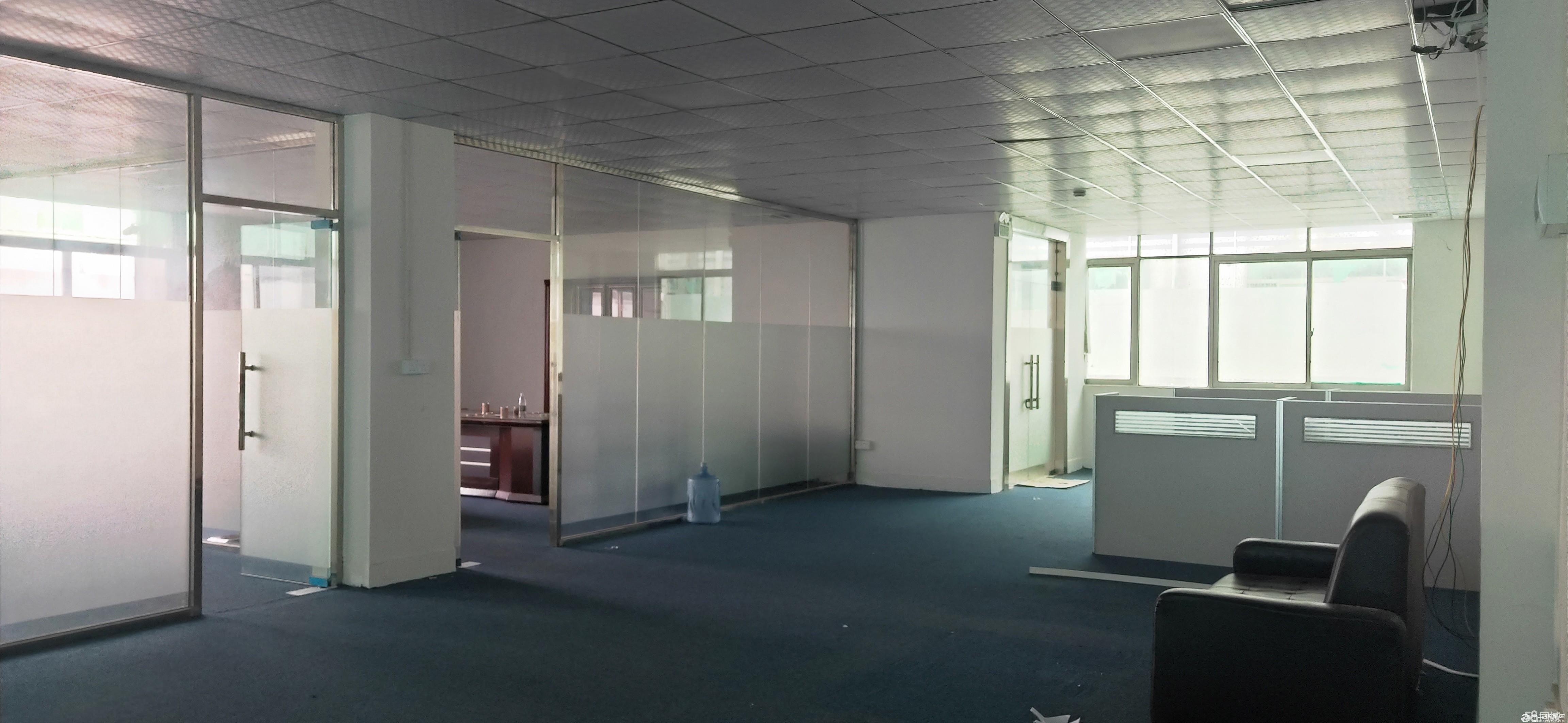 新出平湖华南城旁分租小面积168、220带装修厂房出租