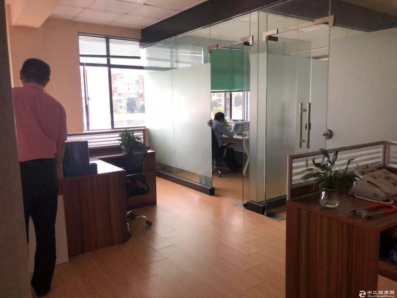 横岗街道办边上电商园新出带家私的办公室68平招租