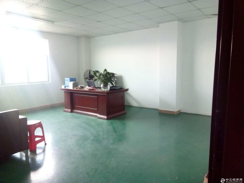 坪地六联新出楼上400平米带装修办公室厂房出租