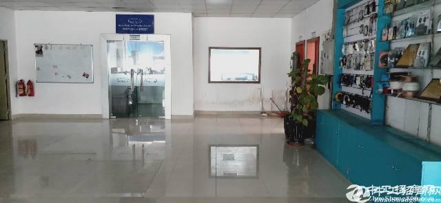 福永和平独院精装修厂房楼上1500平厂房出租