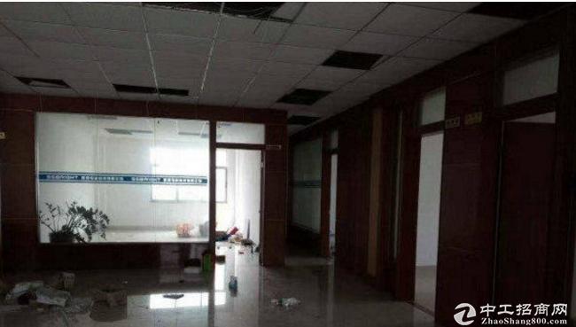 平湖大街独院厂房2500平方带现成办公室,可分租