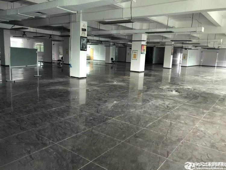 平湖辅城坳工业区二楼厂房带装修1000平厂房出租