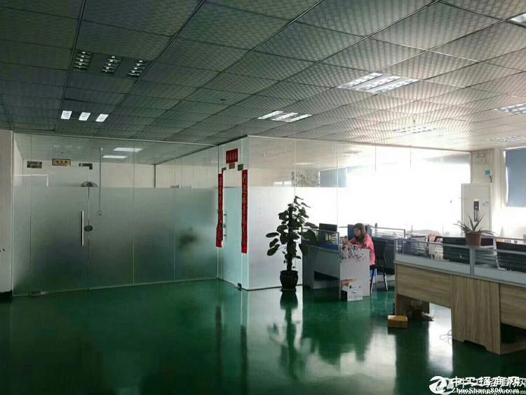 龙岗南联地铁口村委独院厂房出租6500平米带装修