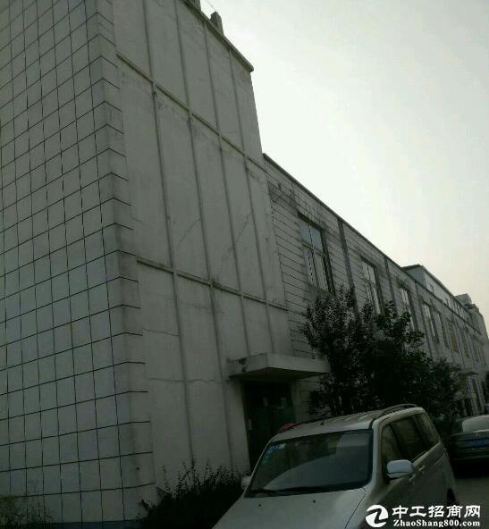 汉洪高速旁汉南大道华顶工厂房1100平米出租