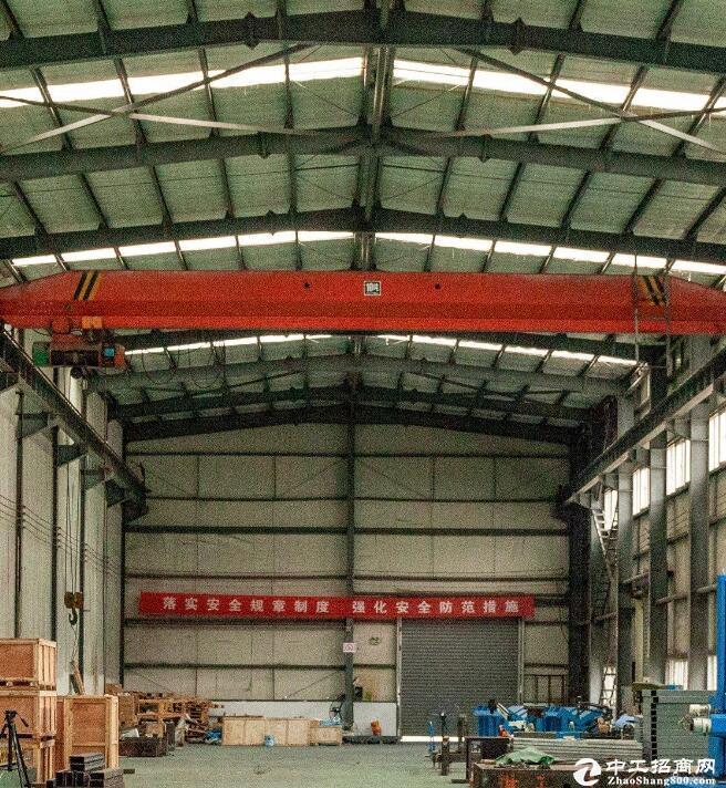 华顶工业园700平米带10吨行车厂房出租。