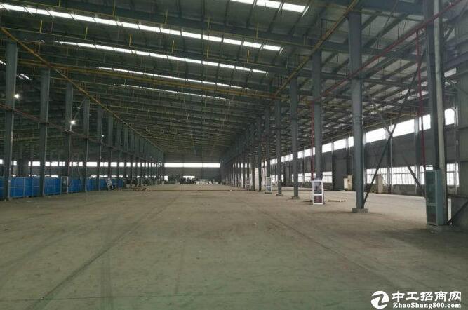 高台库汉阳沌口8000平米钢结构厂房空间宽敞