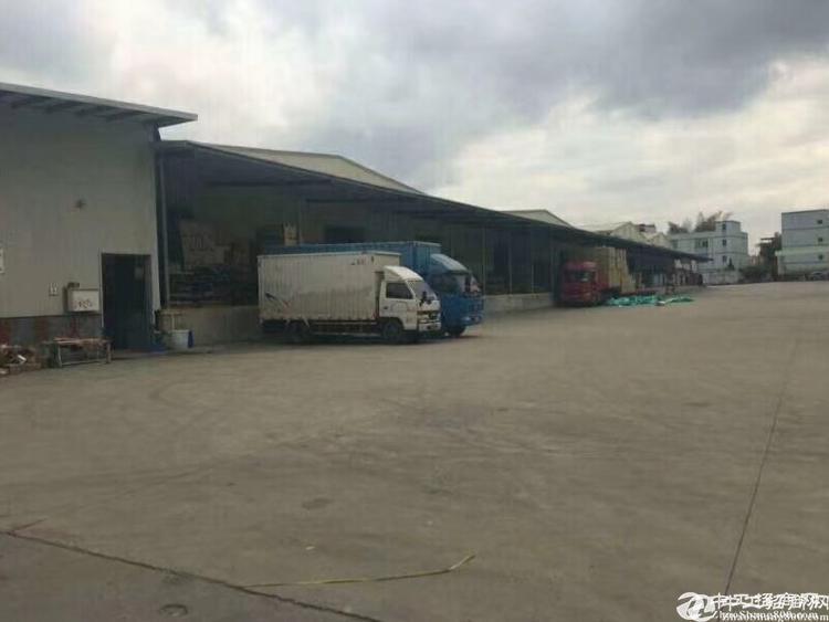 横岗新出物流仓3200平米,带卸货平台,有超大空地