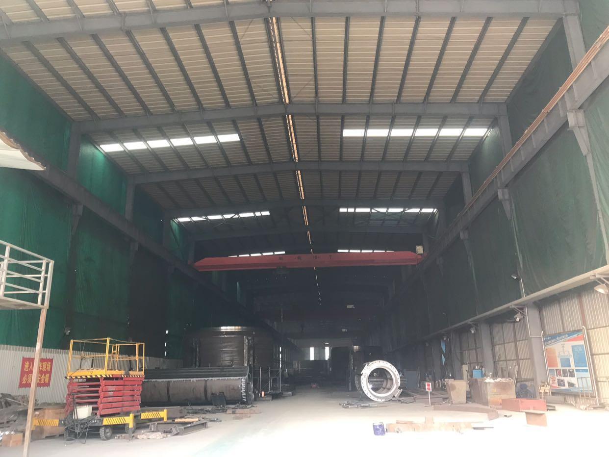 武汉光谷高新重工厂房出租,现成行吊出行方便
