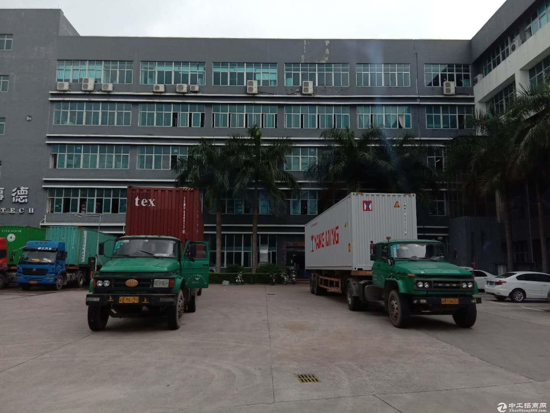 平湖原房东厂房独院分租独栋6400平方出租有红本