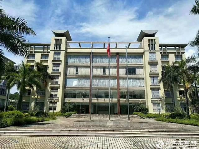 布吉李朗工业区原房东1-5层红本厂房出租,可分层租