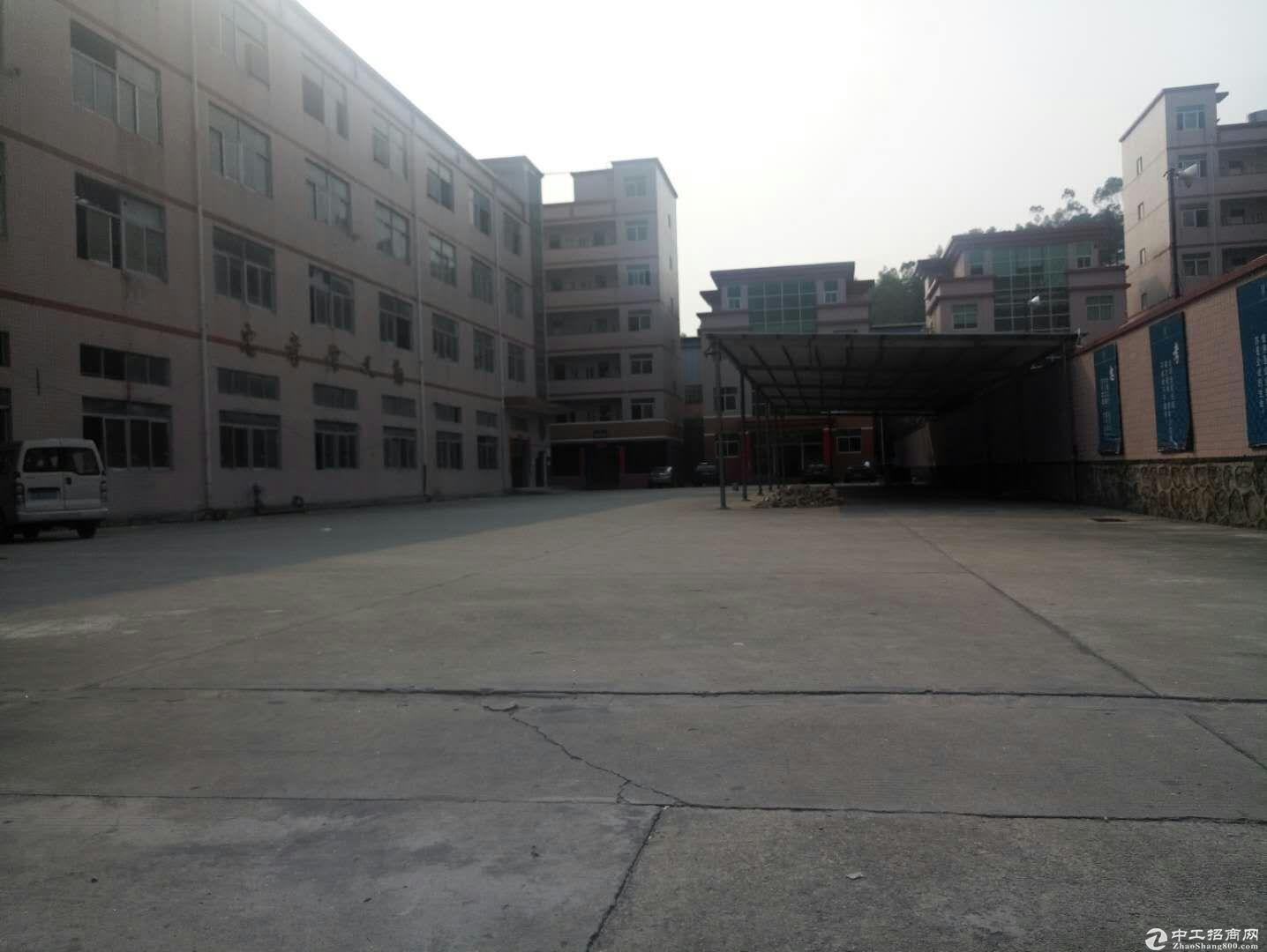 平湖华南城独院5000平对外急租交通方便形象好
