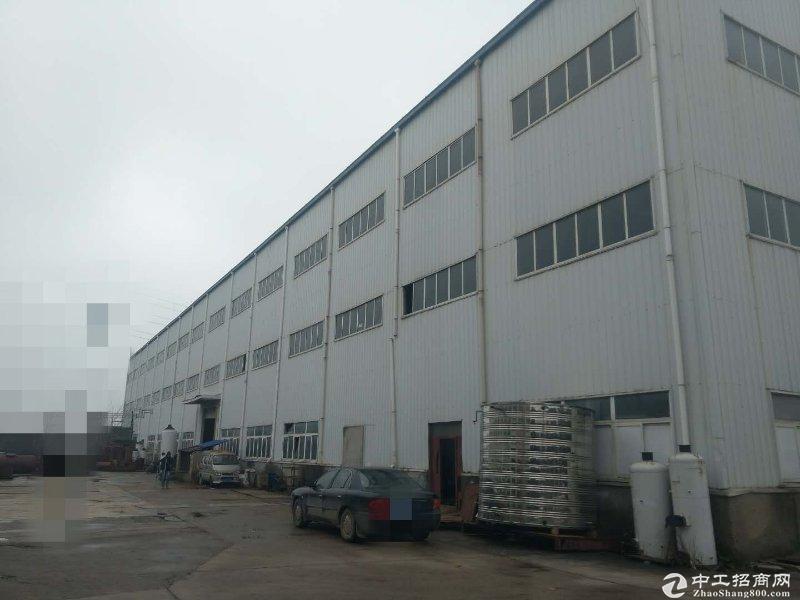 蔡甸大街地铁附近1700平厂房,高15米,16吨双梁行车有宿舍和办公