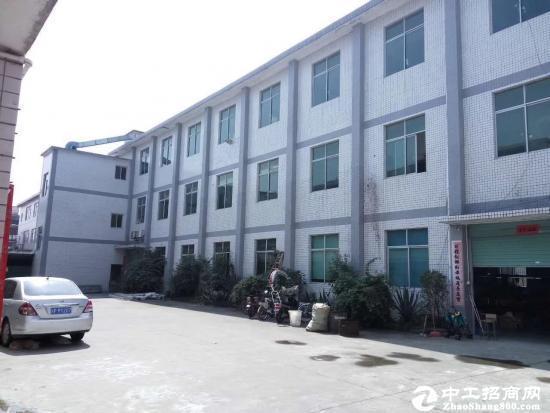 龙岗坪地独院标准厂房5400平米,水电齐全,可分租