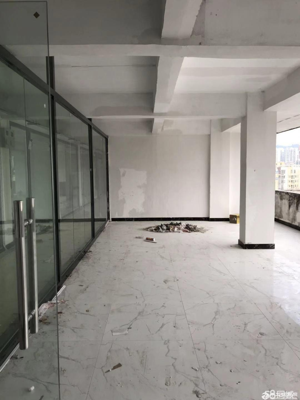 丹竹头准地铁口,临近永昌大厦105平方,租金45元一平方